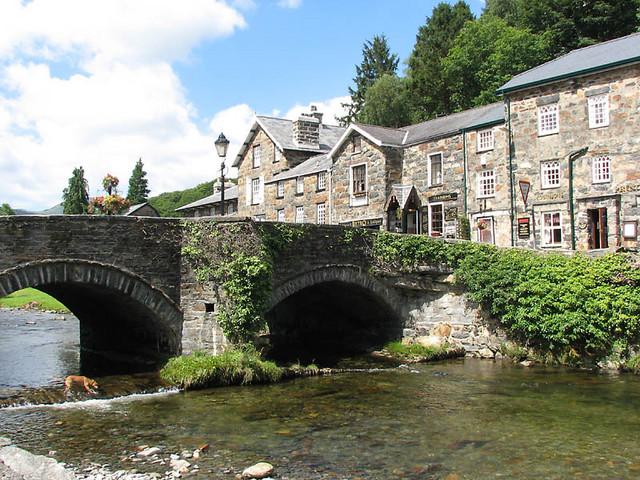bridge over river colwyn