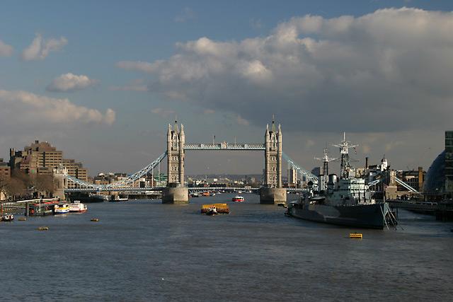 bridge hms belfast