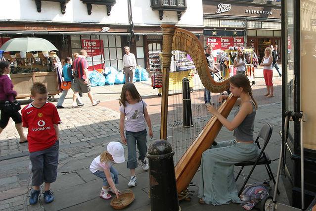 harp busker