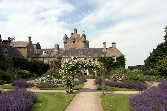 Gardens Cawdor-castle-gardens